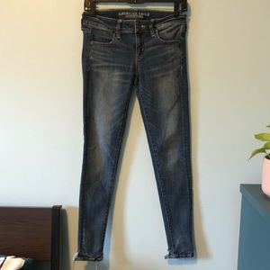 AEO Super Stretch Low Rise Jegging Size 4